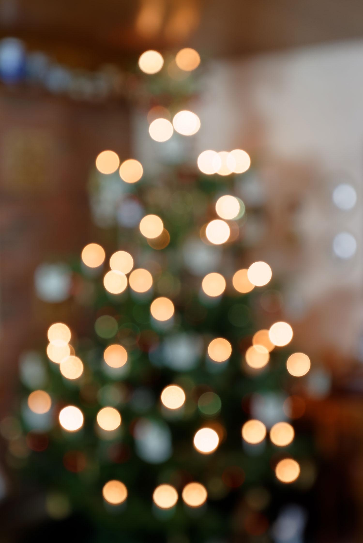 Abstrakter Weihnachtsbaum - Bokeh Hintergrund I
