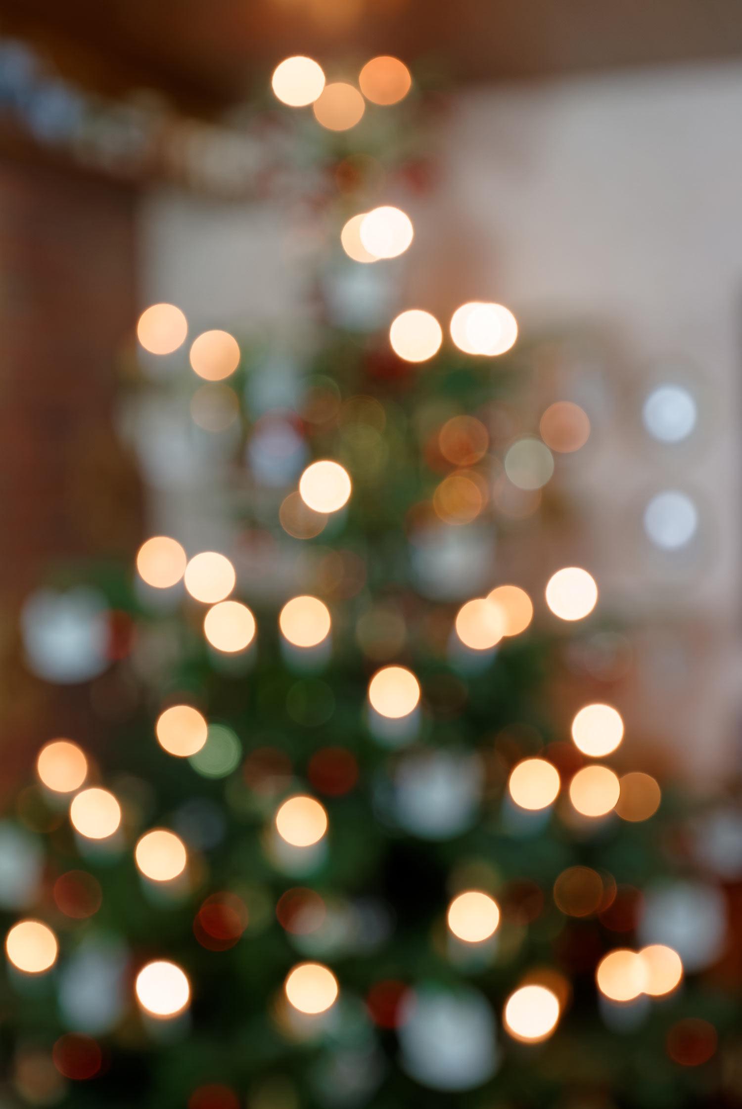 Abstrakter Weihnachtsbaum - Bokeh Hintergrund II
