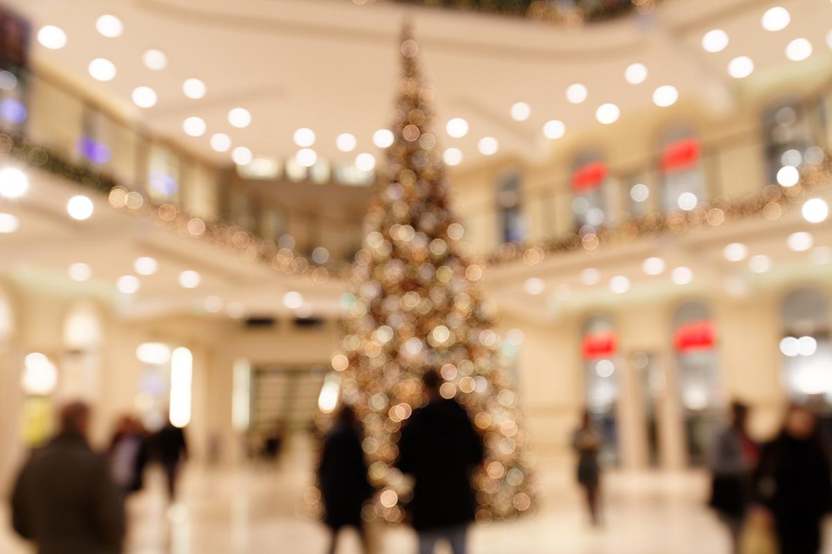 Weihnachtsbaum im Einkaufszentrum