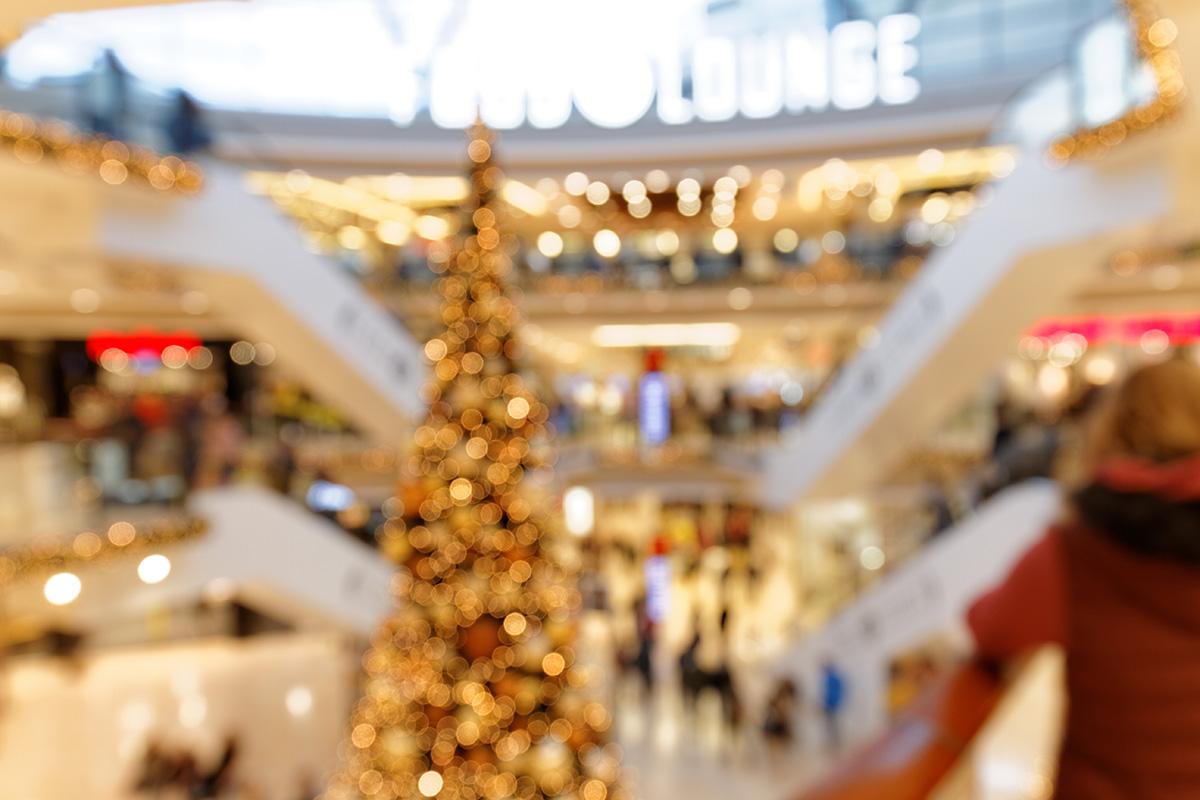 Weihnachtsatmosphäre im Einkaufszentrum