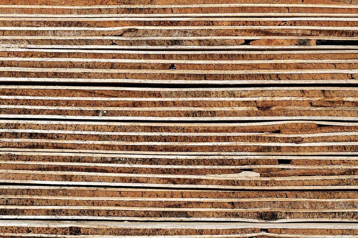 Sperrholzstapel - Holzhintergrund