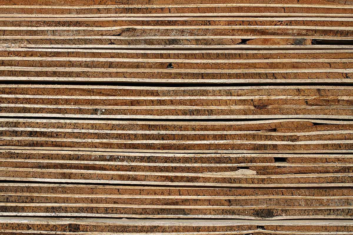 Verwitterte Sperrholzschichten