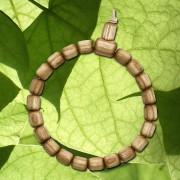 Wunschbaum-Armband Trompetenbaum, aus: Neues Armband aus dem Holz des Trompetenbaums